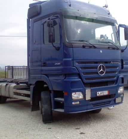 mercedes-actros-2541