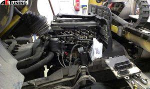 Mercedes Atego motorvezérlő elektronika a motor oldalán